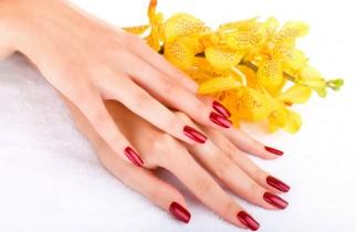 jak dbać zimą o dłonie i paznokcie