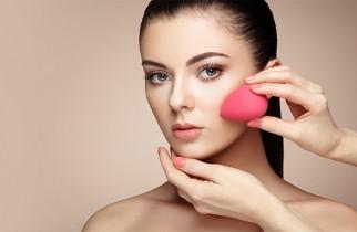 jak wykorzystać gąbkę do makijażu?