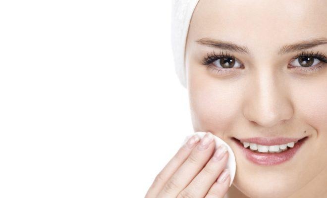 oczyszczanie twarzy gazikami